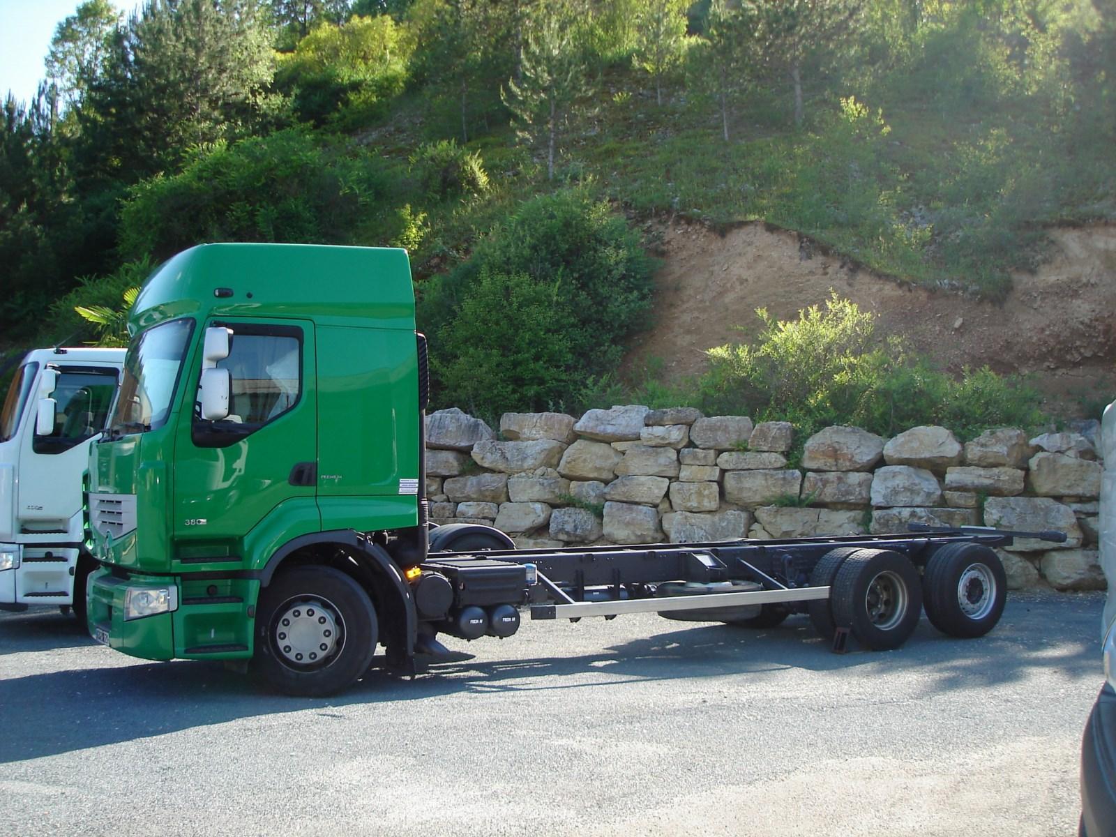 vehicule-poids-lourds-châssis