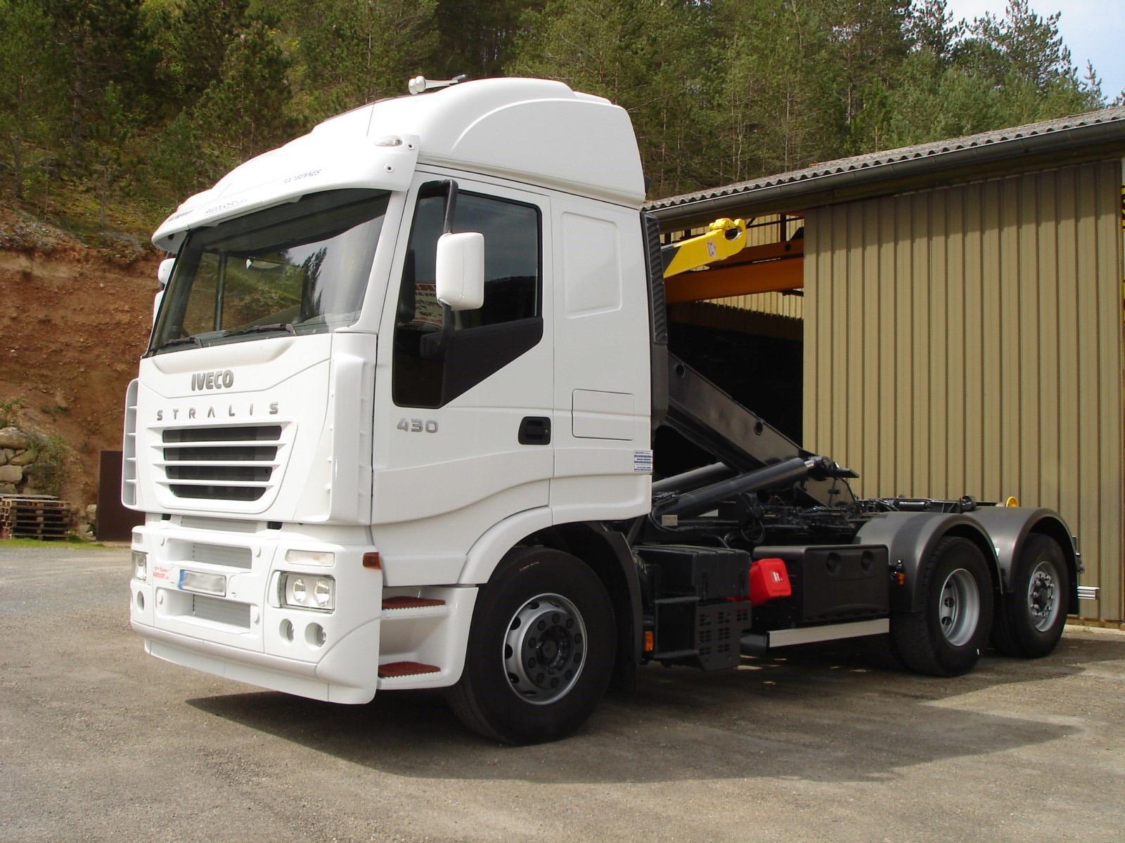 vehicule-poids-lourds-6x2
