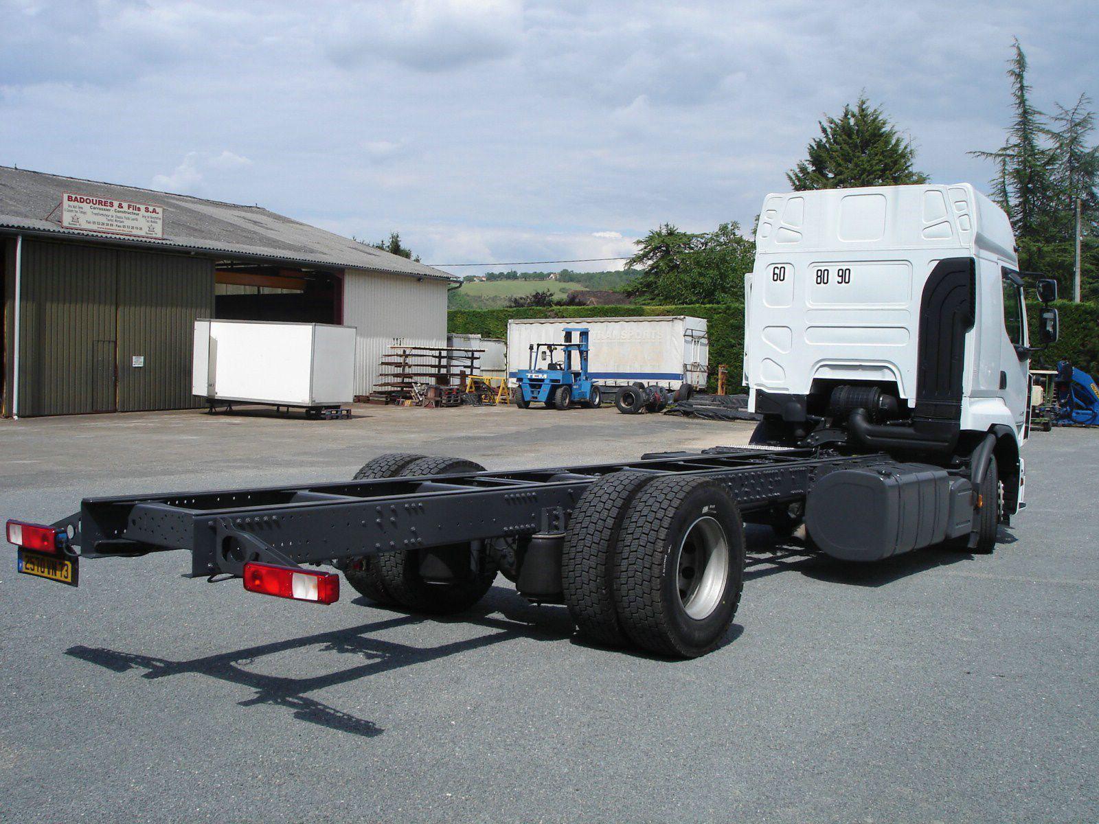 vehicule-poids-lourds-empattement-long