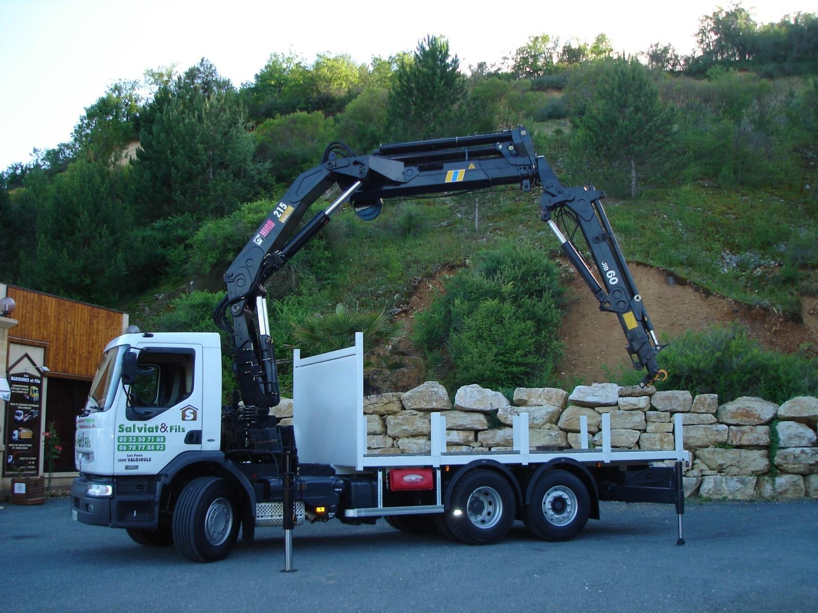 vehicule-poids-lourds-grue-hydraulique